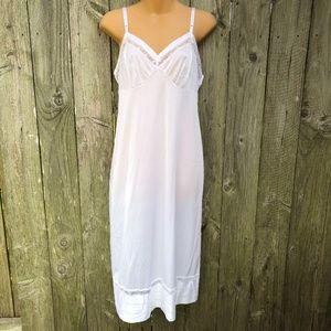 Lorraine Vintage White Nylon Full Slip LNC 36 Tall